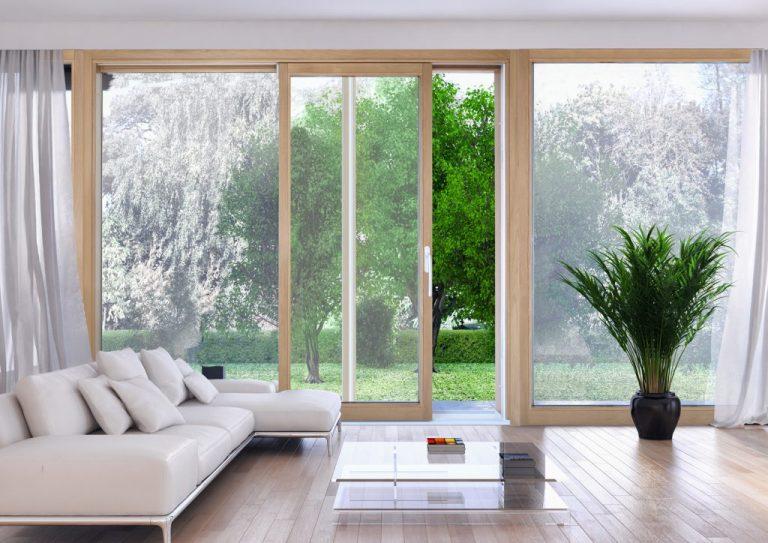 Read more about the article Finestre in legno: casa fresca in estate senza condizionatore!